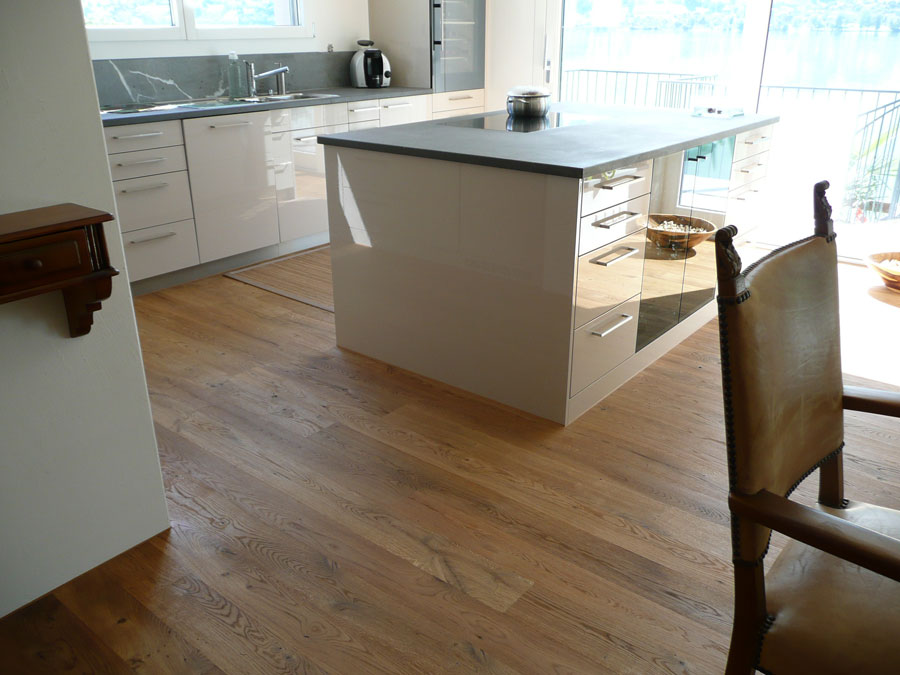 altholz 100 j hrige eiche schmid parkett alpnach. Black Bedroom Furniture Sets. Home Design Ideas